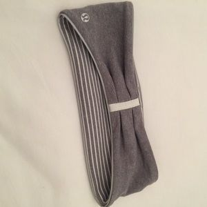 Lululemon reflective headband ear warmer grey